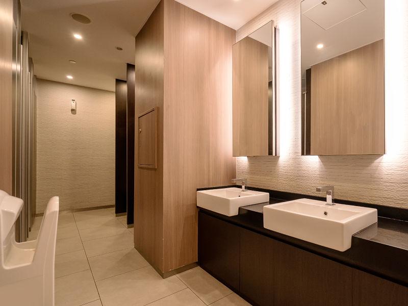 iluminação de banheiro cores frias
