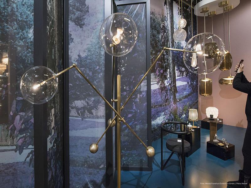 objeto de iluminação com esferas de vidro